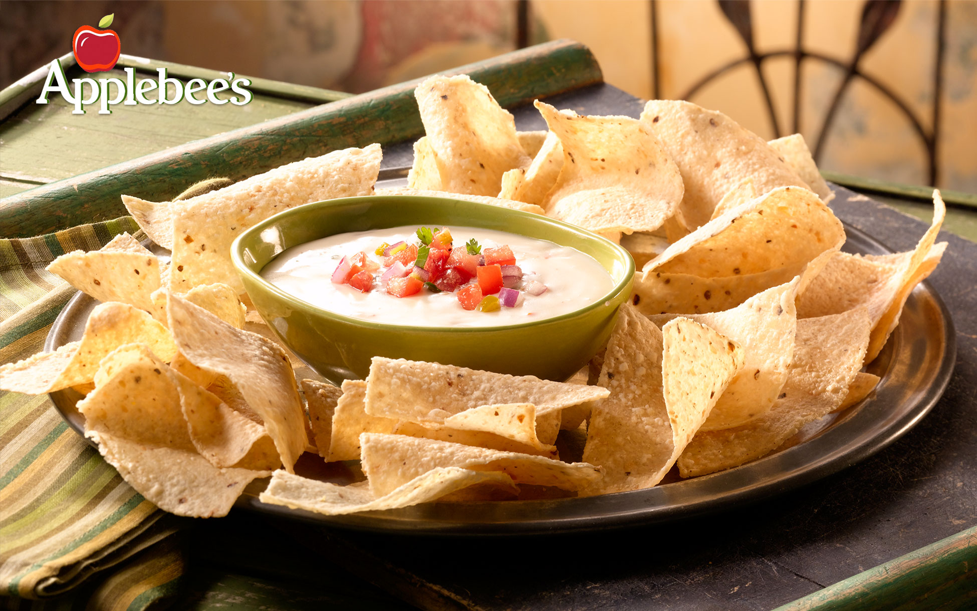 Applebees-Spicy-Queso-Blanco-with-New-Logo-2